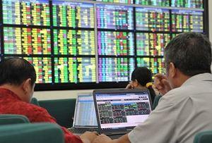 Bank, oil shares prop up market