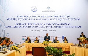 Humans and technology key to Viet Nam's new-stage development