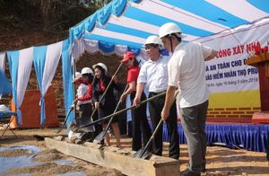 ​​​​​​​Prudential builds safe houses for community