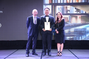 SonKim Land wins award