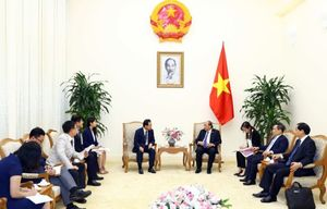 PM urges Samsung Vietnam to expand operations