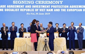 Viet Nam, EU sign agreements on free trade, investment protection