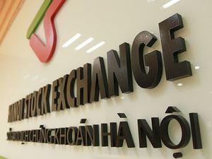 Investors still cautious, VN stocks mixed