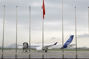 Airbus A220-300 arrives in Viet Nam on regional demo tour