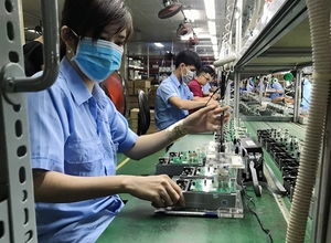 Viet Nam is Asia's bright spot amid trade tensions: UOB report