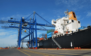 VN posts positive trade balance with CPTPP