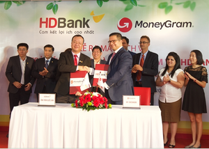 HDBank, MoneyGram sign deal for home remittance service