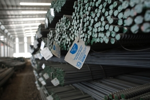 Steel companies post low profits on rising iron ore prices