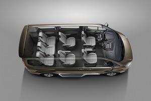 Ford Vietnam unveils MPV Tourneo