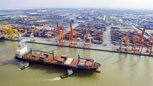 Hai Phong JSC proposes to build container teminals in Lach Huyen Port