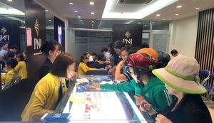 VN stocks rise but liquidity dries up