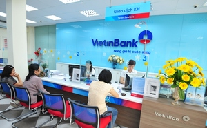 VN stocks increase, banks score big gains