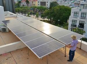 Authorities retain high prices to encourage rooftop solar