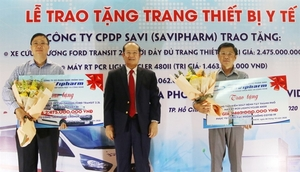 SaVipharm donates medical equipment worth over $215,300 to HCM City for Covid-19 fight