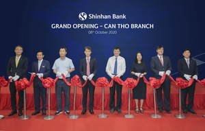 Shinhan Bank opens branch in Can Tho
