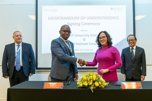 WinWay, RMIT sign strategic agreement in education and training