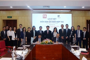 FIA and EY Vietnam sign MOU on attracting FDI into Viet Nam
