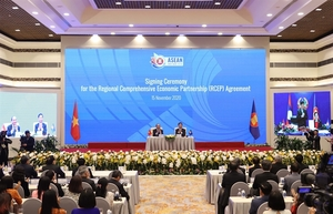 World's largest trade pact signed by ASEAN countries and five partners