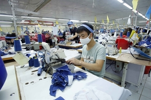 Textile and garment production struggles due to lack of fabric