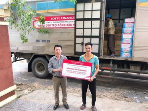LOTTE Finance sends essential items to support flood victims in central Viet Nam
