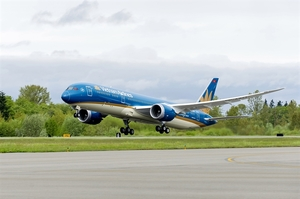 Vietnam Airlines uses wide-body aircraft on domestic route