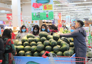 Consumption needs to be promoted to offset exports reduction