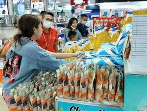 Nguyen Kim starts selling essential items for shoppers' safety amid pandemic