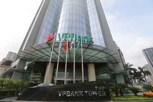 VN stocks nosedive following higher infection reports