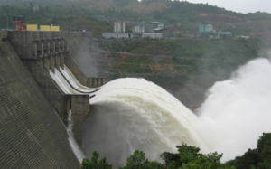 Low water levels cause losses for hydropower firms