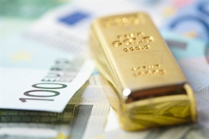 Gold prices soar in the market