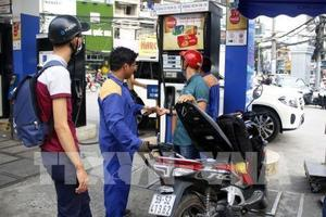 Petrol prices up nearly VND1,000 per litre