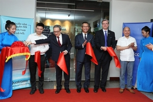 Qualcomm launches its first R&D facility in region in Ha Noi
