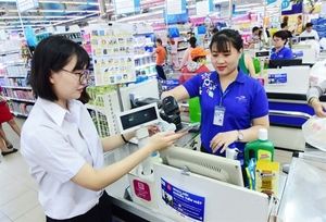 HCM City seeks faster switch to cashless payment