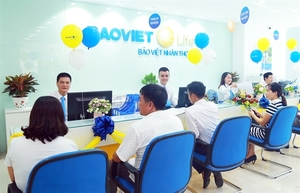 Local market ends up on finance sector