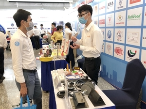 Event brings together supporting industries, foreign manufacturers in VN