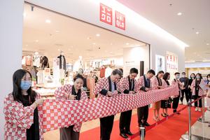 UNIQLO's second store opensin Ha Noi