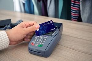 Viet Capital Bank, NAPAS launch domestic credit cards