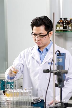 HCM City company invents nano bio-technology medical mask that kills 99% of bacteria