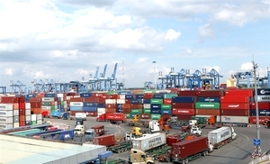 Experts disagree with VIMC's VND20 trillion port proposal in HCM City