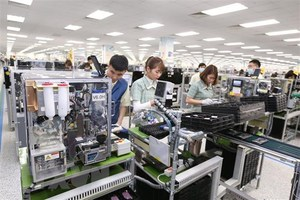 Fitch revises Viet Nam's outlook to positive, affirms rating at 'BB'