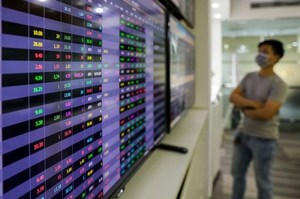 Market gathers momentum, VN-Index continues to recover