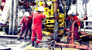 Oil and gas companies post mixed business results despite higher oil prices
