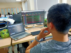 Markets rise as investors' sentiment recovers