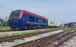 Railways promote development oflogistics services