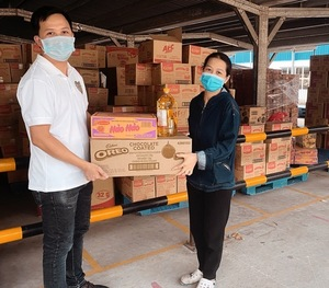 Mondelez Kinh Do, employees contribute to charity fund