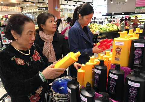 Japanese goods conquering VN