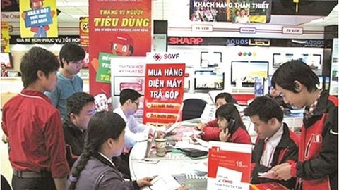 Lenders boost consumer loans at year-end