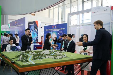ASEAN Smart Cities forum kicksoff in Ha Noi
