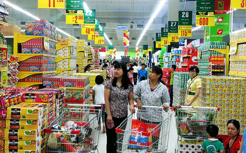 Industry and trade sector to ensure enough goods for Tet