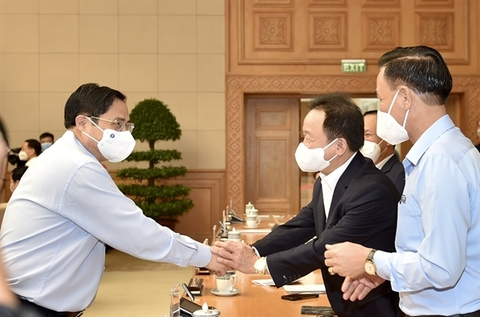 Viet Nam to stay on dual-target virus strategy
